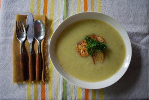 vgourmet, vegan soup, vegan potato leek soup, Ruth Richardson